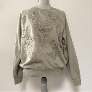 H&M crochet appliqué sweatshirt sage green / grey
